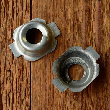 Fassung f. Glühbirne Frontscheinwerfer, D=17.0-17.5mm, leicht konisch, verzinkt