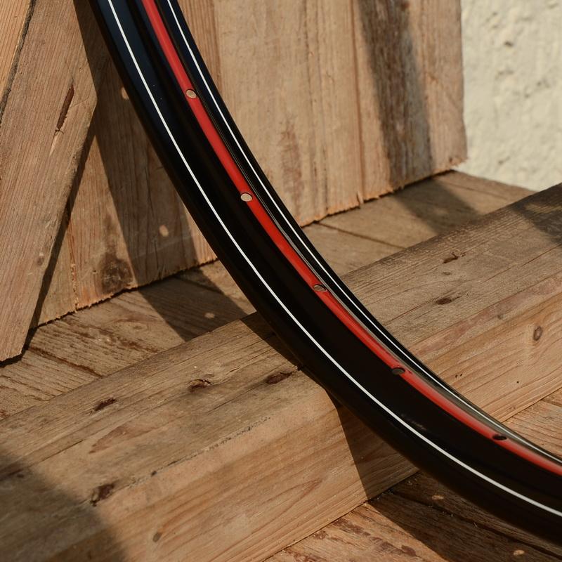 """Fahrradfelge 28"""" x 1,75 (ISO/ETRTO 622mm), Alu, schwarz, 36 Loch, Dek.11 rot weiss"""