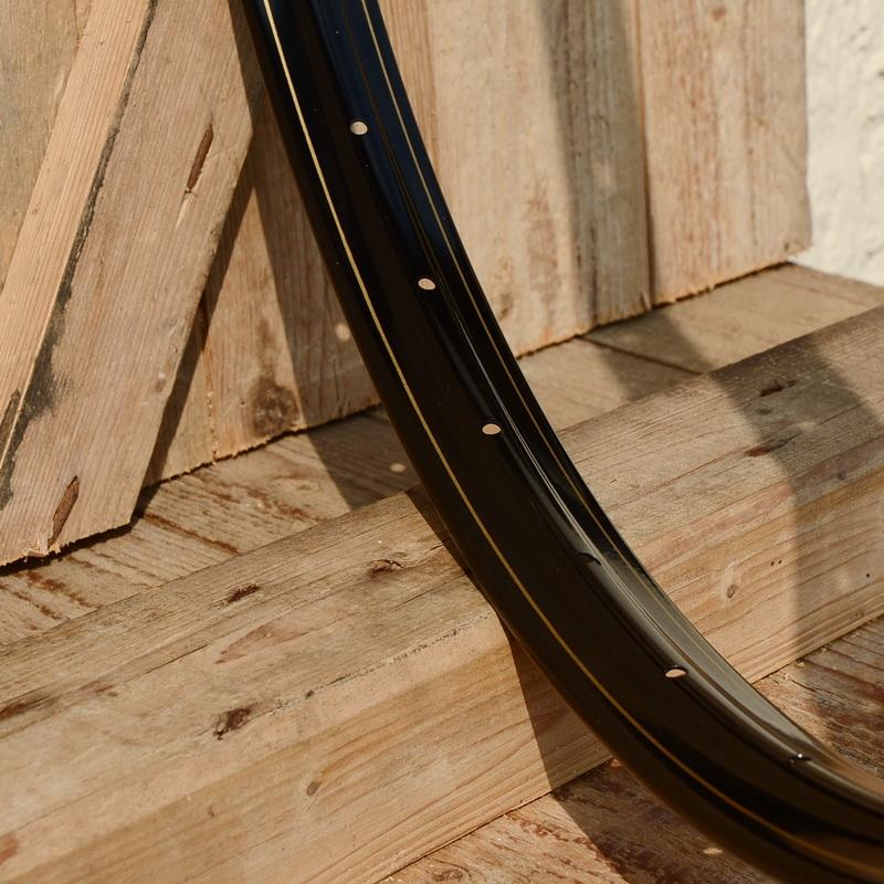 """Felge 28"""" x 1 1/2  (635) WESTWOOD Profil, Stahl schwarz lackiert, gold liniert, 36 Loch, 38mm breit, Bohrung 4,5mm"""