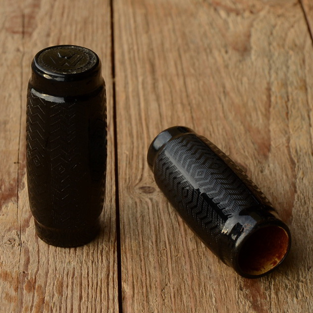 Celluloid - Fahrradgriff mit innenliegender Papphülse, schwarz, 22mm, 10-30er. Jahre, orig. Altbestand