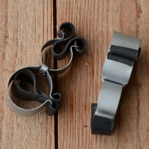 Pumpenhalter mit Ledereinlage, matt silber