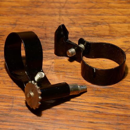 Spitzpumpenhalter, schwarz, mit federnder Spitze