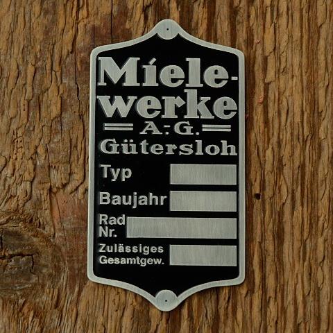 """Typenschild für """"MIELE Motorfahrrad / 98er SACHS"""", silber/schwarz, für Rahmenmontage, 35x67mm"""
