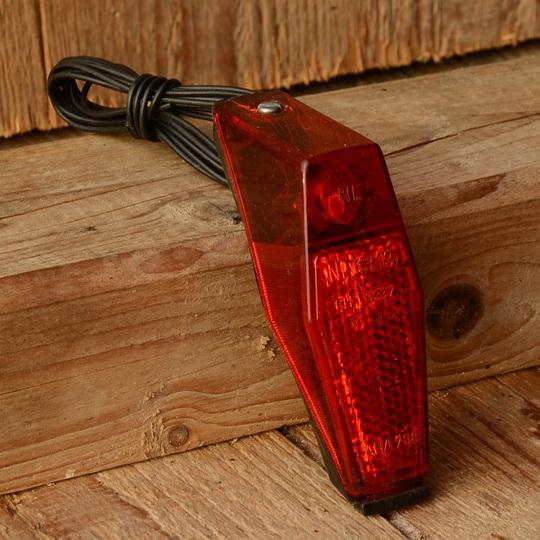 Kunststoffrücklicht, orig 70/80er Jahre , schlanke Ausführung, Schutzblechmontage