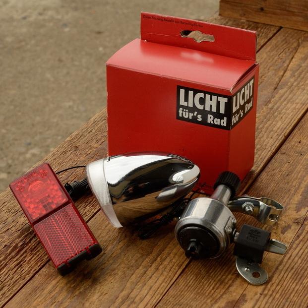 """Beleuchtungs - Set, Scheinwerfer, Rücklicht, Dynamo """"FER"""", verchromt, D=60mm, incl. Halter"""