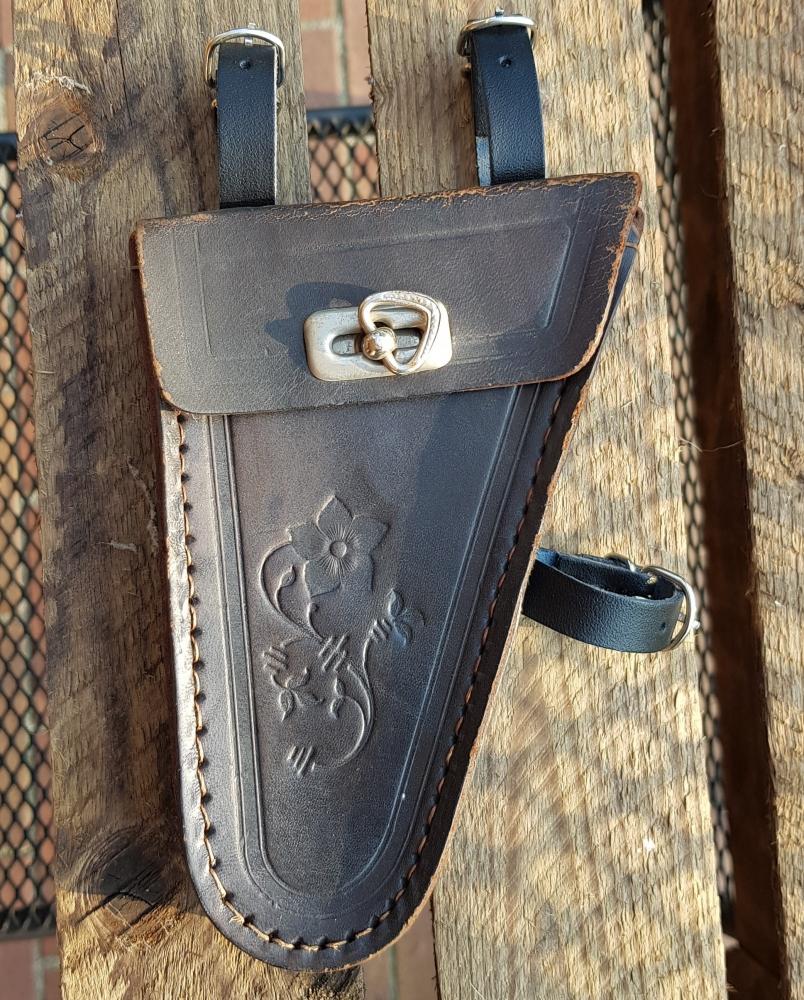 Werkzeugtasche ungemarkt,  Herrenrad, Leder, floral geprägt, schwarz, orig. 30er Jahre, altersbed.  Patina