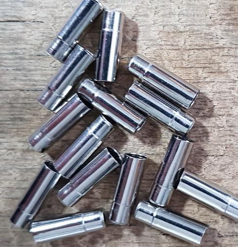 Abschlußhülse / Endkappe, D=5.7/5,3 mm abgesetzt, 5,0 mm innen, L=16,5mm, Bohrung 2.0mm,  Messing vernickelt