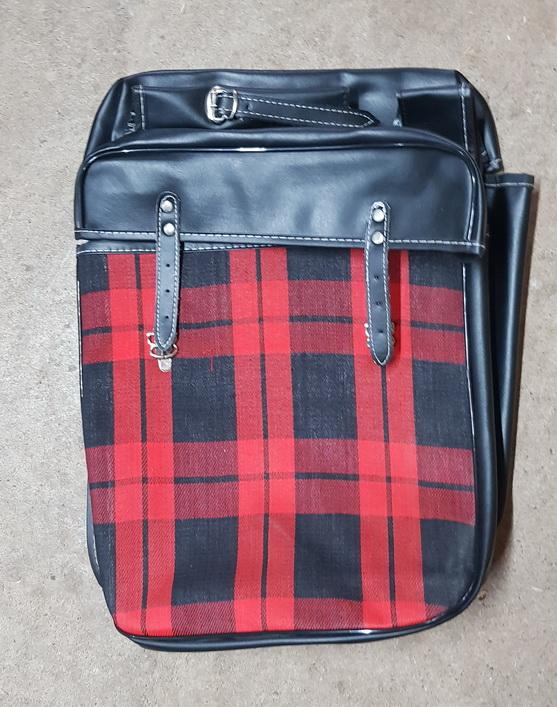 Packtaschen für Fahrrad, rot-kariert, orig. Altbestand
