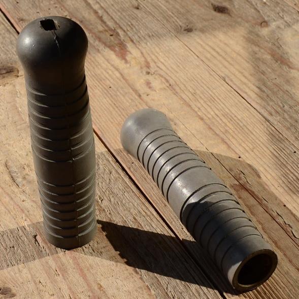 Fahrrad-/Leichtmotorradgriff, grau, 22mm, Gummi, L=130mm, orig. Altbestand