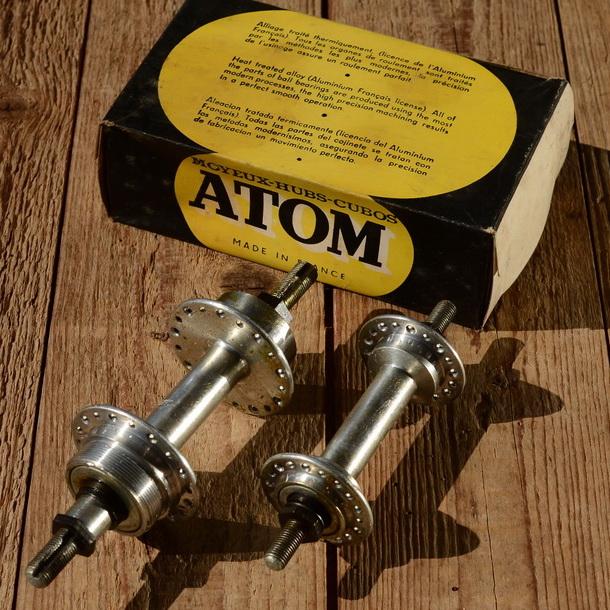 """Naben Satz """"ATOM"""", 40/70er Jahre, NOS/NIB, 36Loch, ca. 120 mm Einbaubreite hinten, neu im Originalkarton"""