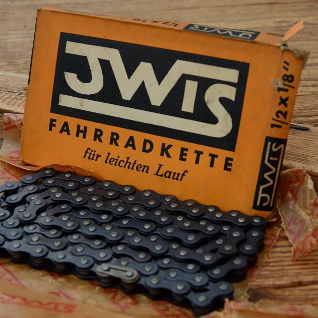 """Fahrradkette """"JWIS"""" 1/2 x 1/8 Zoll, 112 Glieder, incl. Kettenschloß, orig. 30-50er Jahre Altbestand"""