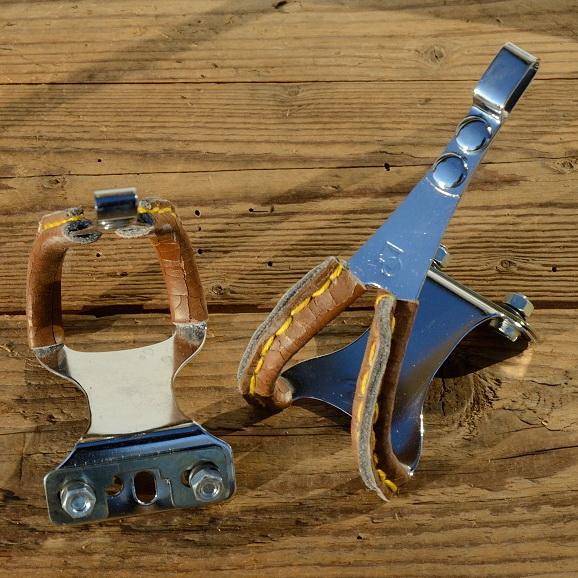 """Pedalhaken / Rennhaken """"KKT-JAPAN"""", verchromt, Größe L, mit Lederbesatz, 60-70er Jahre, rar  NOS !"""