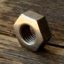 Achsmutter FG 7.9mm, vernickelt, für Vorderachse, orig. Altbestand, leichte Patina