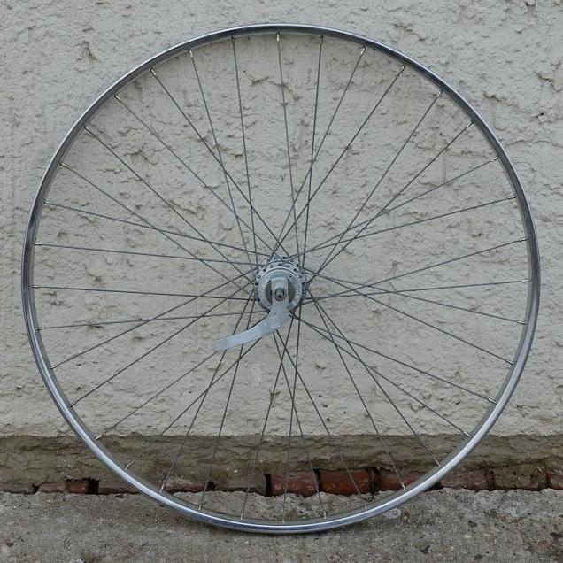 """Hinterrad, 28"""" x 1 5/8  (622-24), Stahl verchromt, 28mm breit, Nabe F&S 3-Gang,  gebrauchter Zustand"""