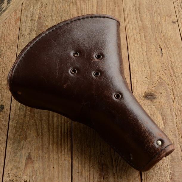 """Sattel """"BROWN"""", braune Lederdecke, B=220/L=275mm, orig. 30-50er Jahre"""