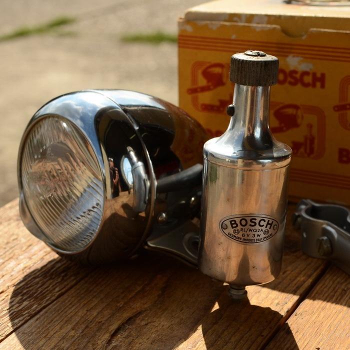 """Lichtanlage """"BOSCH"""", verchromtes Gehäuse, Dyn. Anbau rechts, incl. Halter, alte Neuware"""