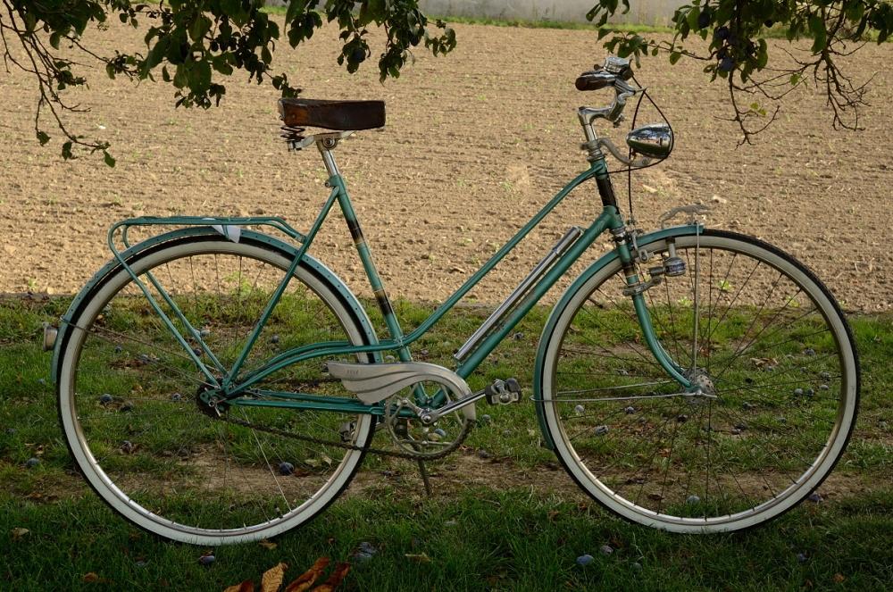 """Damenfahrrad Sport, """"EXPRESS  Sport """", 50er Jahre , grün, RH=5cm, 28 Zoll ,  Originallack,  F+S Dreigang"""