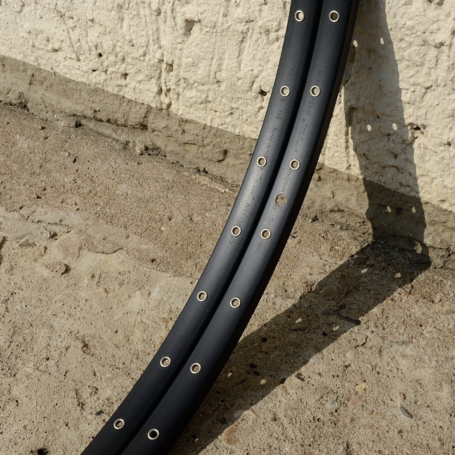 "Felgen Satz Draht 28"" (622-18)  ""SCHÜRMANN"", Aluminium schwarz , geöst, 36/36 Loch, 23mm breit, Nippelbohrung 4,5mm"