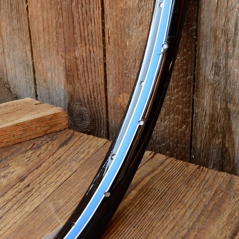 """Fahrradfelge f. Wulstbereifung, 20"""" x 1 1/2 (450), Stahl, schwarz, blau-weiss liniert, orig. 30-50er Jahre, 36 Loch , 33mm breit"""