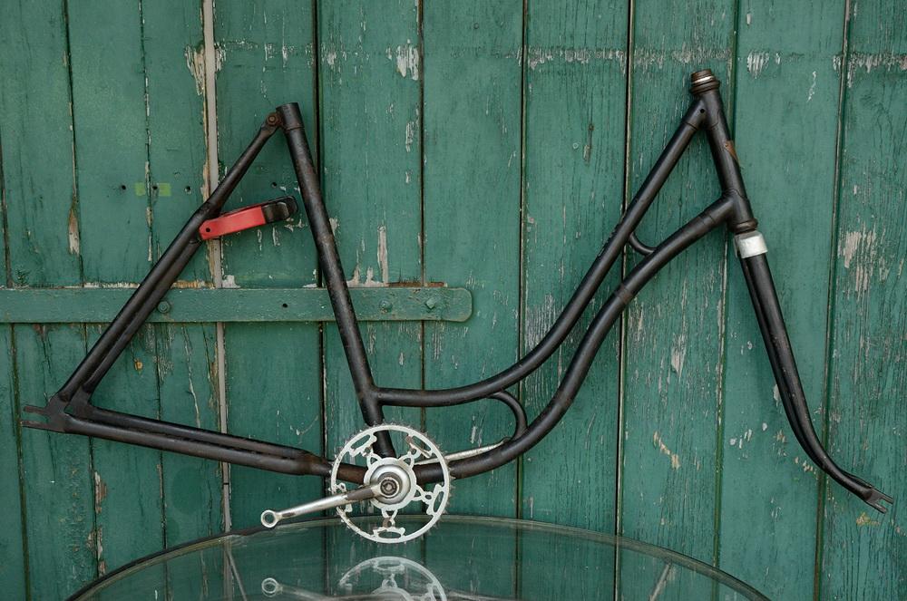 """Fahrradrahmen  """"MWB"""",  Damenausf., schwarz , 26 Zoll,  RH=55cm, 30er J., incl. Gabel u. Tretlager"""