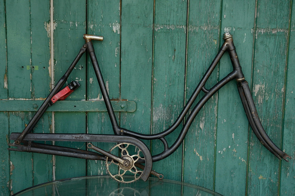 "Fahrradrahmen  ""WANDERER"",  Damenausf., schwarz, 26 Zoll ,  RH=55cm, 30er J., incl. Gabel u. Tretlager"