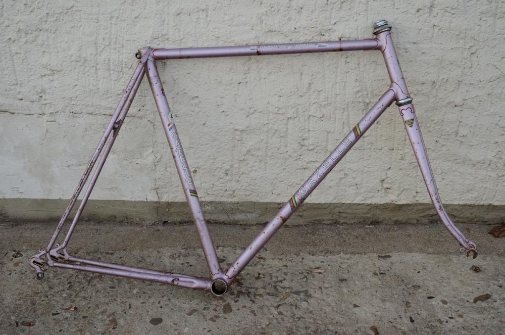 "Fahrradrahmen, ""GAZELLE"", Rennrahmen, rose , 28 Zoll,  Reynoldsrohr, RH=59cm, 70/80er J., incl. Gabel"