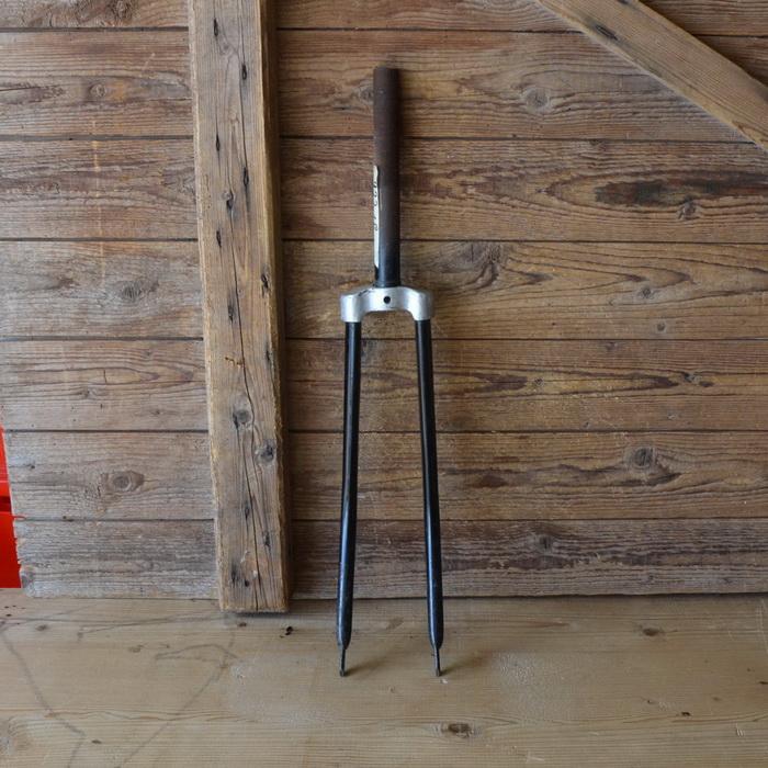 Gabel 26 Zoll Universal, orig. 30er Jahre unrestauriert, Schaftlänge 210 mm, Weite oben 54 mm, Zustand siehe Bilder