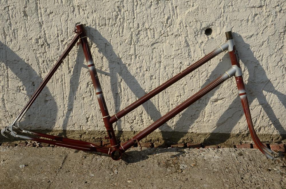 """Fahrradrahmen  """"ADLER"""",  Damenausf., Sport, weinrot , 26 Zoll,  RH=55cm, 50er J., incl. Gabel ohne Tretlager"""
