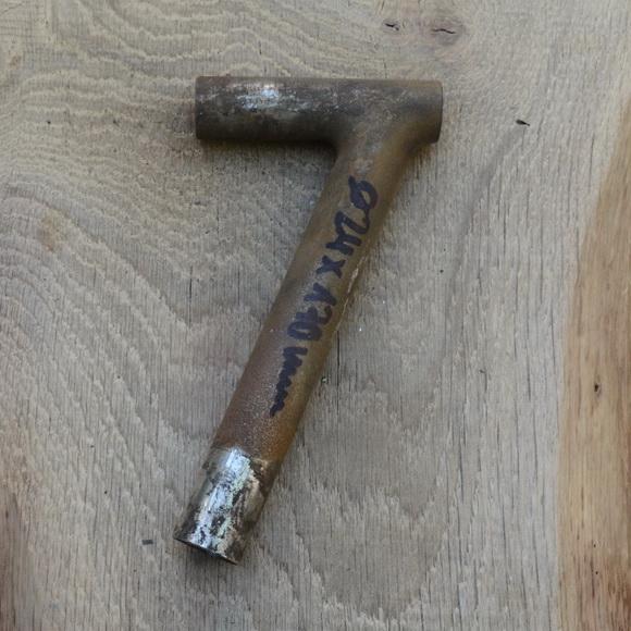 Winkelsattelstütze, Durchmesser: 24 mm, Länge: 170 mm, gebraucht, orig. 10-40er Jahre, Zustand siehe Bilder.
