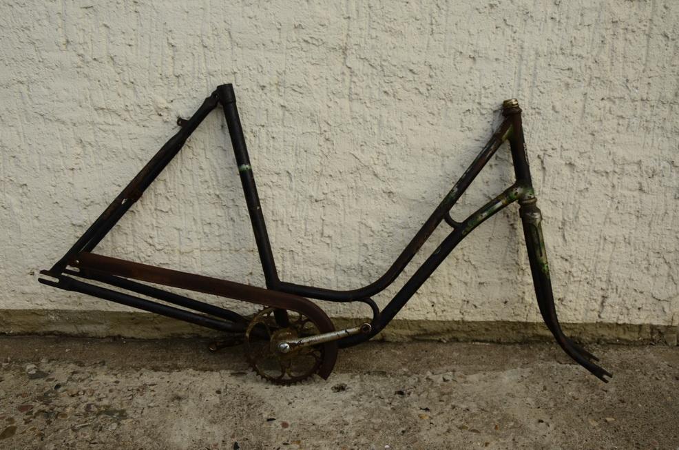 """Fahrradrahmen """"Rixe"""", Damenausf., 28 Zoll, 50er Jahre, mit Gabel und Tretlager"""