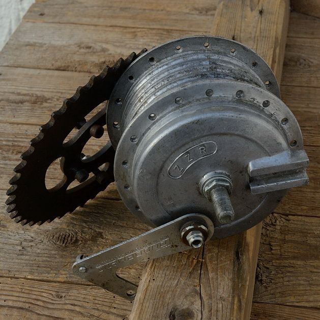 """Trommelbrems - Nabe Hinterrad Moped,""""ZZR"""", 50/60er Jahre, Aluminium, silber, technisch neuwertig , optisch mit etwas Patina"""