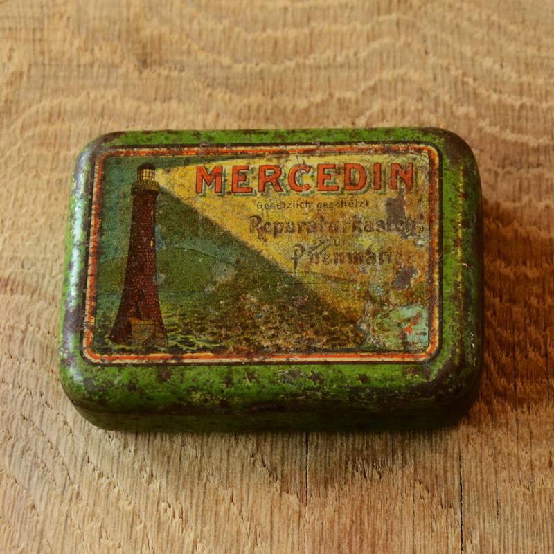 """Flickzeug Blechdose """"MERCEDIN"""" orig. 20er Jahre, 82 x 59 x 25 mm, ohne Inhalt"""