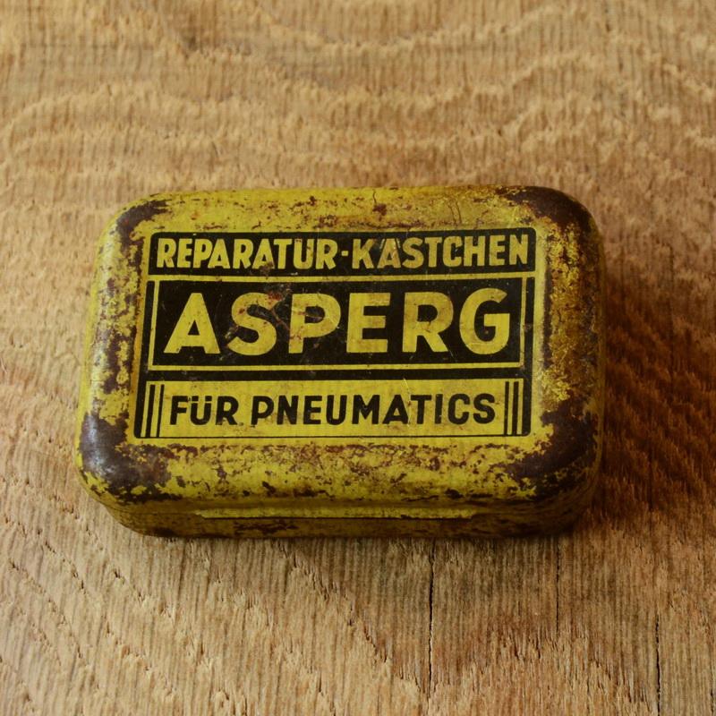 """Flickzeug Blechdose """"ASPERG"""" orig. 50er Jahre, 69 x 47 x 20 mm, ohne Inhalt"""