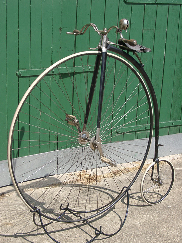 Hochradständer, Modell 1878-1894, sehr standfest,  optsch passend zu jedem orig. Hochrad, schwarz lackiert