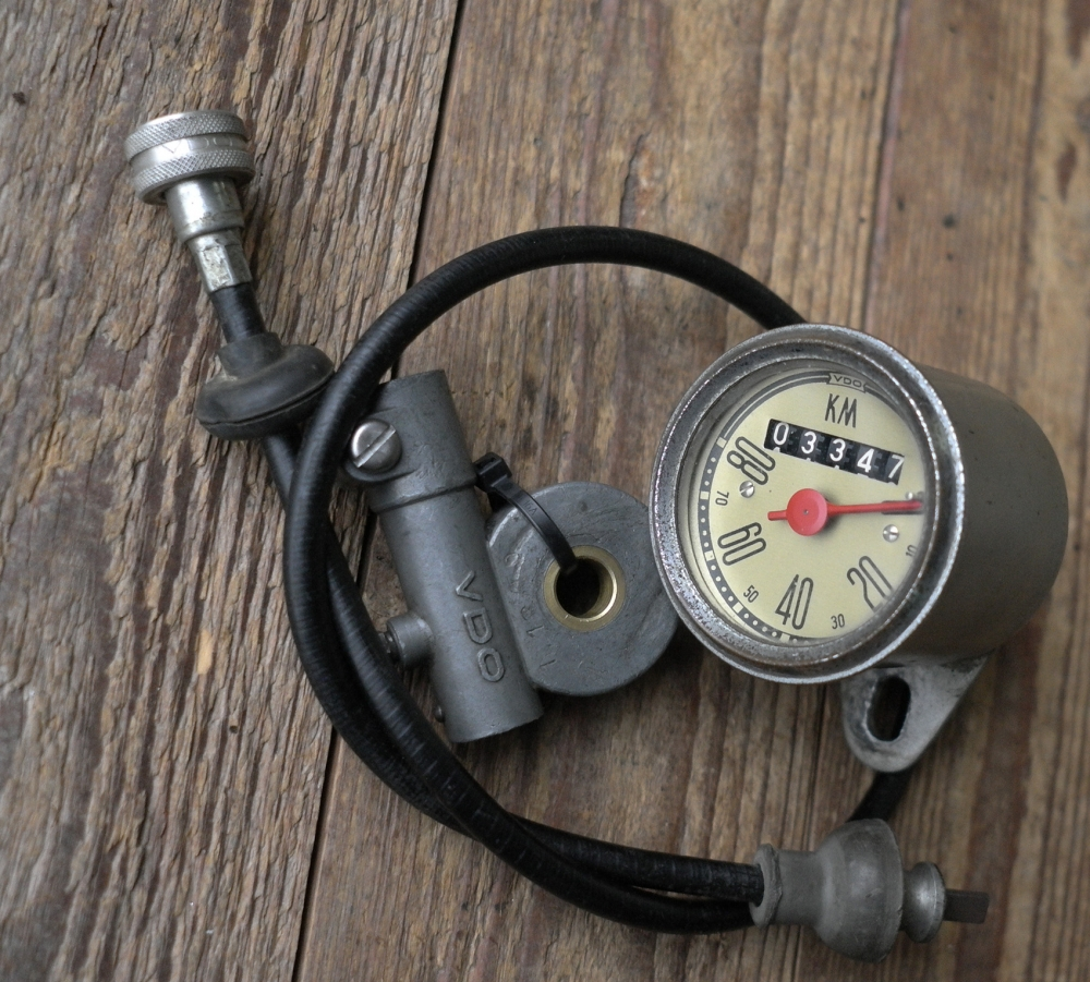 """Tachometer 98 ccm Motorfahrrad, gebraucht mit neuer Originalwelle und Antreiber 26"""""""