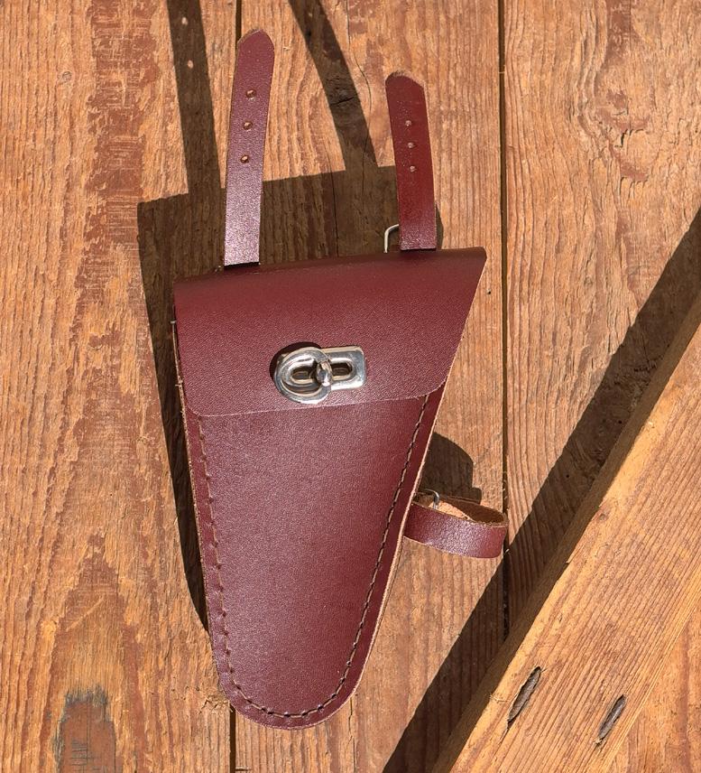 Werkzeugtasche, Leder, alte Charge, rotbraun,  Beschläge vernickelt, passend für viele Herrenradklassiker