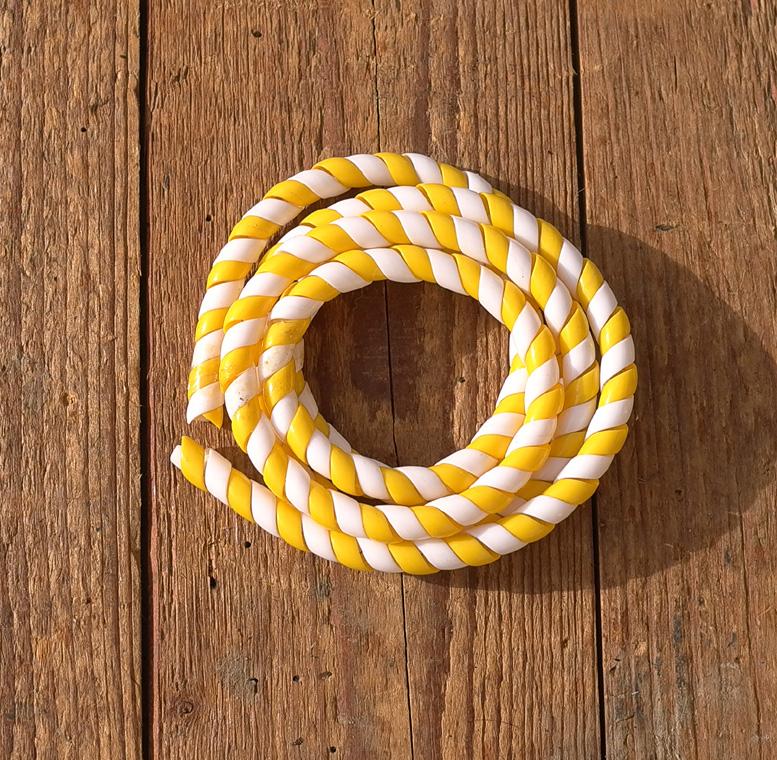 Zierspirale / Bowdenzugummantelung, gelb/weiß, 120cm lang, orig. Altbestand