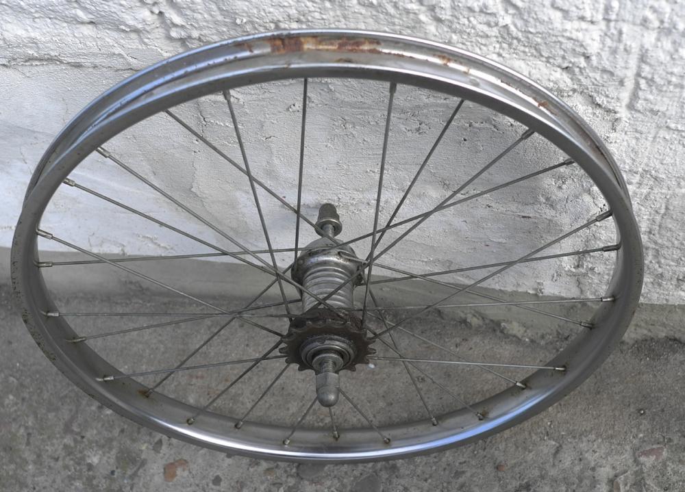 Hinterrad, 20 x 2.00), Stahl verchromt , Centrix-Rücktrittnabe, gebraucht , ideal für Klapprad 60-80er J. etc. s. Bilder.