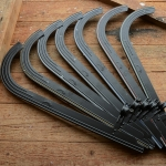 """Kettenschutz, """"Horn"""", schwarz, verschiedene Handlinierungen, siehe Varianten, L=49cm"""