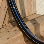 "Fahrradfelge 28"" x 1,75 (ISO/ETRTO 622mm), schwarz lackiert, 36 Loch,handliniert Dek.10 blau weiss"