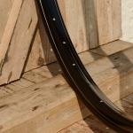 """Fahrradfelge 28"""" x 1,75 (ISO/ETRTO 622mm), schwarz, 36 Loch, liniert Dek.1 einfach gold"""