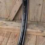 Felge Motorfahrrad/Moped 26 x 2,25 (559), 36 Loch, schwarz lack, Linierung Dek.2, 45 mm breit, gepunzt