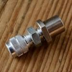 Stellschraube M6, Aluminium, L=18/9mm, D_innen=5.8/2.2mm, Zugaufnahme rund/gerändelt, incl. Buchse