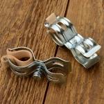 Pumpenhalter mit Ledereinlage, glanzverzinkt