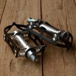 """Pedale """"MKS """", Aluminium, schwarzer Rahmen, für Staßenrenner, 70/80er Jahre"""