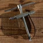Ein- u. Ausdrücker für Kolbenbolzen, passend für alle Motoren bis ca. 150 ccm