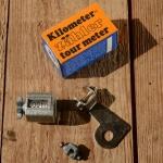 """Kilometerzähler, Metallgehäuse, silbern lackiert , passend f. 20"""" Räder, orig. aus altem Bestand"""