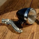 "Scheinwerfer ""CRONE"", orig. 50/60er Jahre, schwarz/Chromblende, rarer orig.  Altbestand aus altem Depot, incl. Halter"
