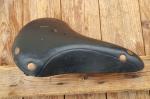 """Sattel """"Wittkopp"""", Tourensport, Ausführung Leder schwarz, Länge 27 cm, Breite 19 cm, ca. 30 Jahre alt, unbenutzt"""