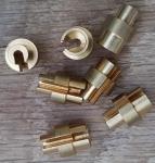 Distanzhülse 2,5mm, zum Ausgleich gelängter Bowdenzüge am Moped/Motorfahrrad etc., außen 6/10/8 mm, Zugaufnahme innen 6 mm
